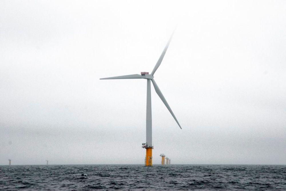 UTFORDRES: Høye bølger og voldsom vind hindrer installasjon av flere vindturbiner på Sheringham Shoal.