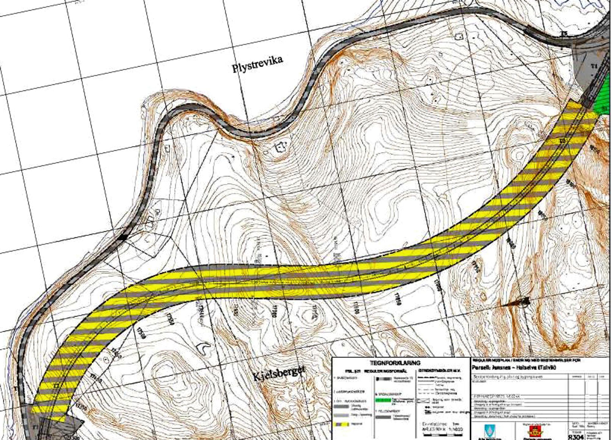 Den brede linjen av gule og grå striper markerer Talviktunnelen. Nåværende E 6 langs Altafjorden har en svært dårlig geometri. Ill.: Statens vegvesen