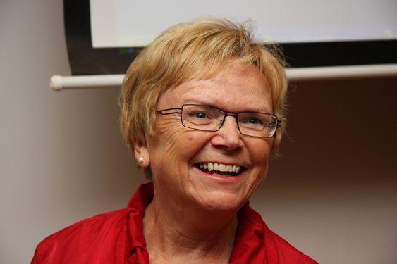 LOVER PENGER: Samferdselsminister Magnhild Meltveit Kleppa går langt i å love penger til å utvikle spenstige løsninger.