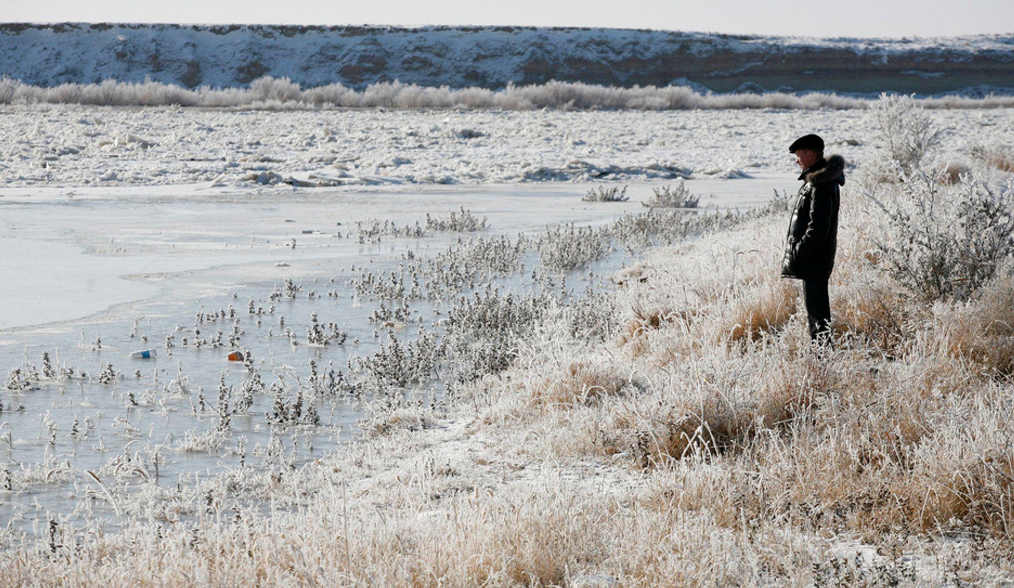Kulde og islagt vann i Kasakstan. Ifølge en norsk klimamodell må utslippene av klimagasser ned før 2020 om vi skal unngå global oppvarming på mer enn 2 grader.