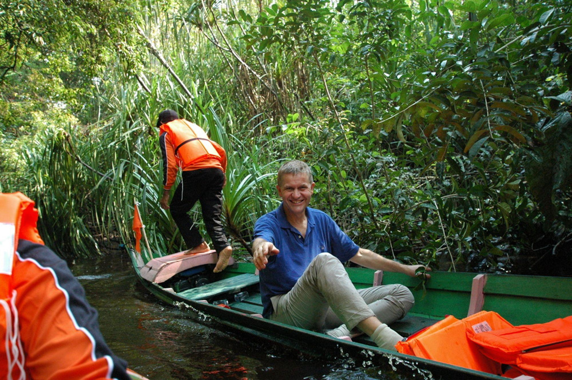 Det hjelper miljøvernminister Erik Solheim lite at han og regjeringen deler ut milliarder på kanotur i regnskogen. Norge kommer langt ned på en ny klimarankingen.