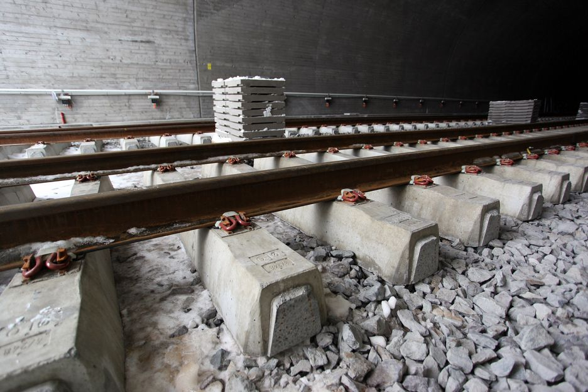 5.000 sviller skal fraktes fra Hønefoss til Mosjøen. Jernbaneverket velger trailere, ikke tog.