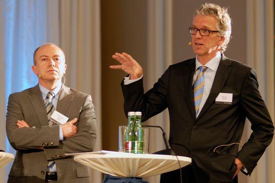 LANG SIKT: På lang sikt vil kabler og krafteksport redusere CO2-utslippene på kontinentet, mener Statnett-sjef Auke Lont (t.h) og Statkraft-sjef Christian Rynning-Tønnesen.