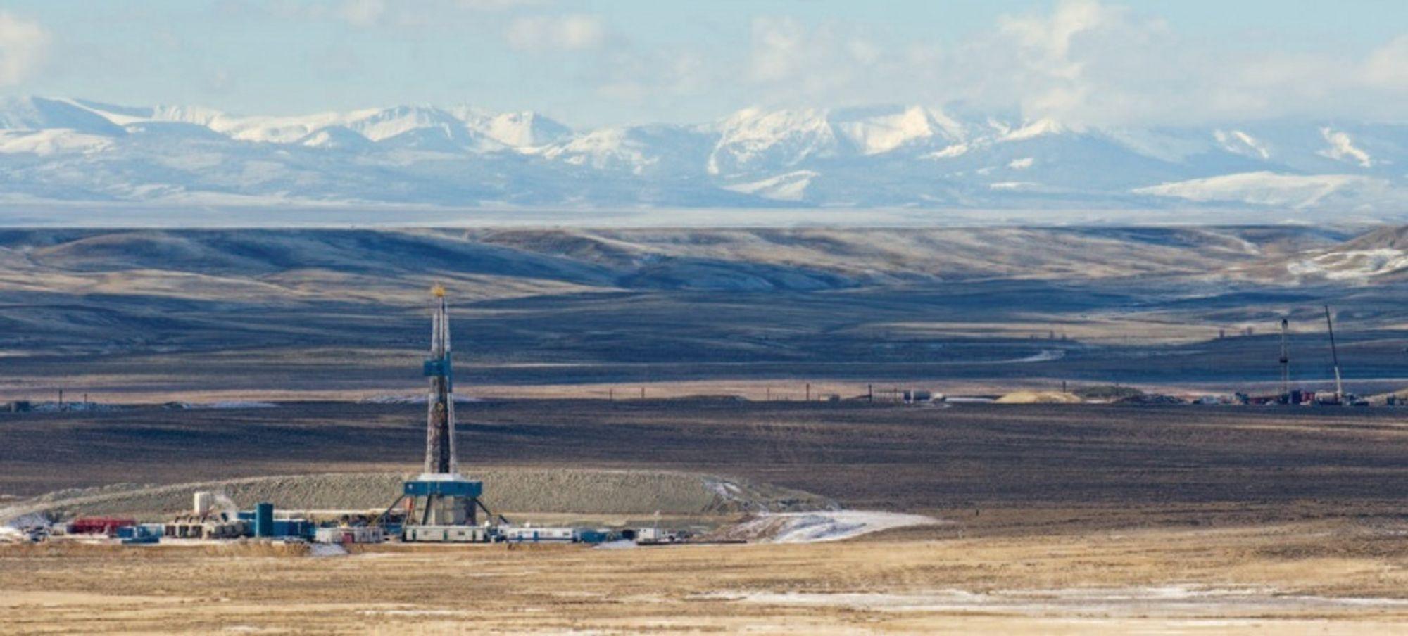 SKIFERGASS: Dette er en av Halliburtons brønner hvor de borer etter naturgass ved hjelp av fracking, eller oppsprekking av fjellet. Nå trues frackingen i Texas av den verste tørken på minst 116 år.