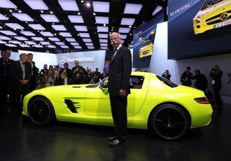 Mercedes-sjef Dieter Zetsche under lanseringen av den elektriske superbilen SLS AMG E-Drive i 2011.