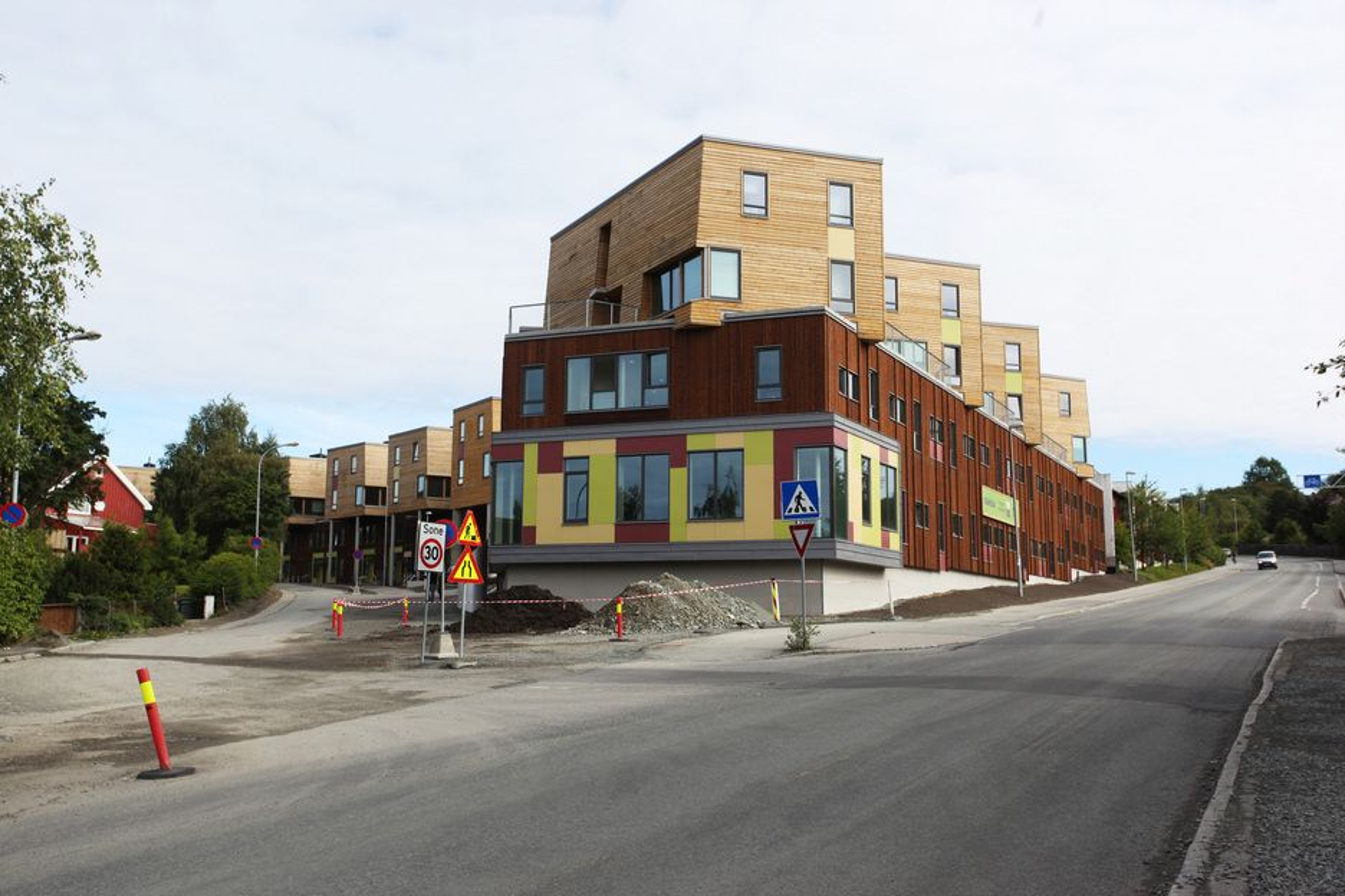 Kunnskapsdepartementet innvilger mange søknader om studentboliger til sitt fulle, men i Oslo mener studentsamskipnaden at de har fått altfor lite. Bildet viser Nye Berg studentby i Trondheim, som åpner endelig til uka.