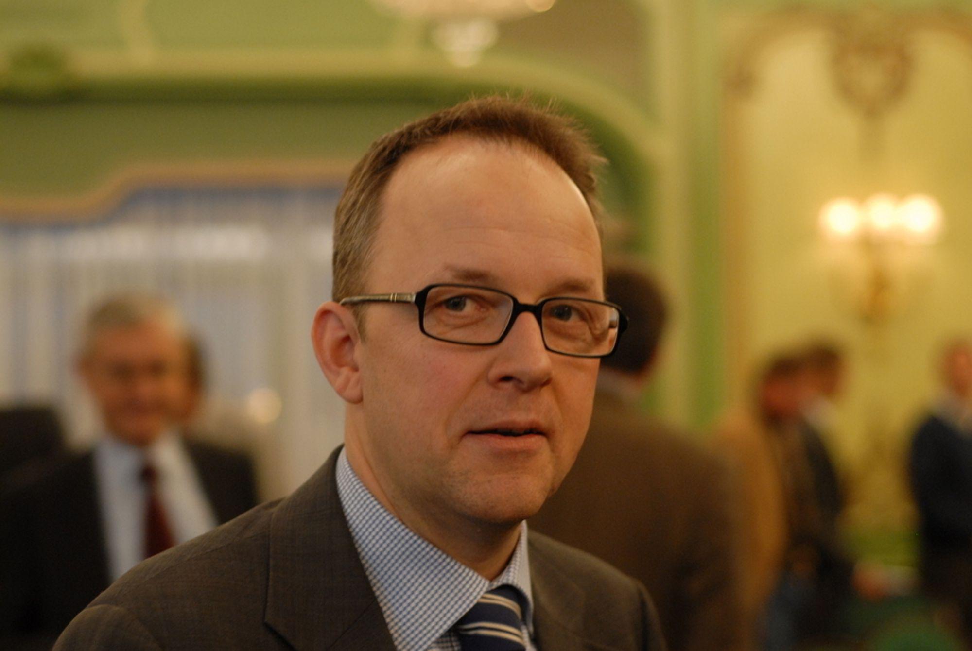 HARMONISERTE UNTAKSREGLER: Unntaksreglene fra elsertifikatmarkedet bør være like for industrien i Norge og Sverige, mener Energi Norge-sjef Oluf Ulseth.