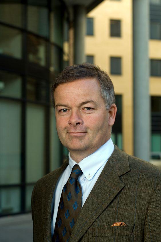 SPREDT ANSVAR: I Veidekke er Arne Giske, administrerende direktør i Veidekke Eiendom opptatt av at stadig større dle av leveransene kommer fra underleverandører. Det er en juridisk nøtt som må løses før han kan tilby utvidet reklamasjonsrett.