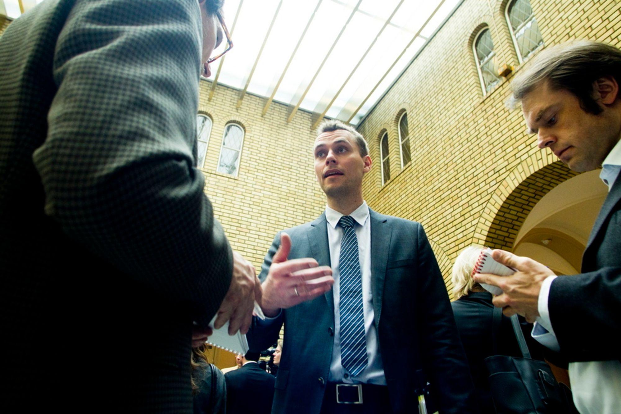 Både nåværende olje- og energiminister Ola Borten Moe og hans forgjenger Terje Riis-Johansen har forsøkt å skjule at EU vil svekke distriktsprofilen i oljeloven.