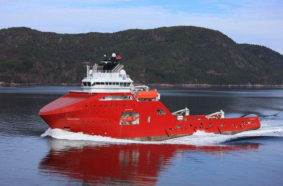 TEST: Skandi Vega skulle installere første Control Cutter for fullskalatest om bord. Skipet er bygget ved STX Aukra med AH04 design. Skipet ble levert i fjor til DOF.