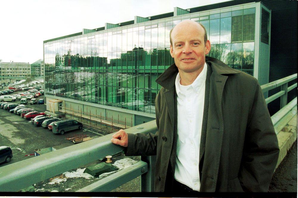 FLOTT FASADE: - Og enda finere er bygget inni, bedyrer Anders Hanneborg, prosjektdirektør for det nye Mikroteknologibygget i Oslo, som nå endelig er innflytningsklart.