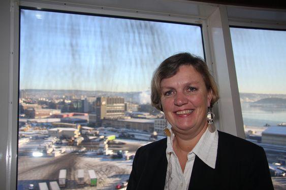 STOLT: Havnedirektrø Anne Sigrid Hamran i Oslo synes det var på tide å få landstrømtilbud i Oslo. Hun lover flere tilkoblingspunkter.