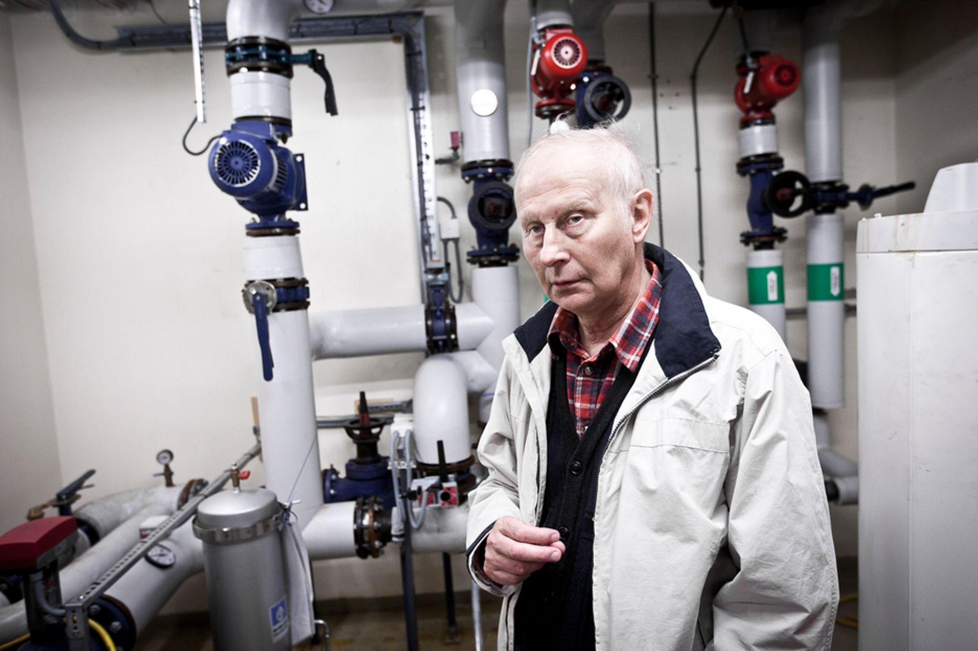 SPARER PENGER: Energieffektivisering fører både til sparte penger og bedre inneklima, sier energi- og miljøingeniør Gunnar Erik Johansen i Undervisningsbygg Oslo.