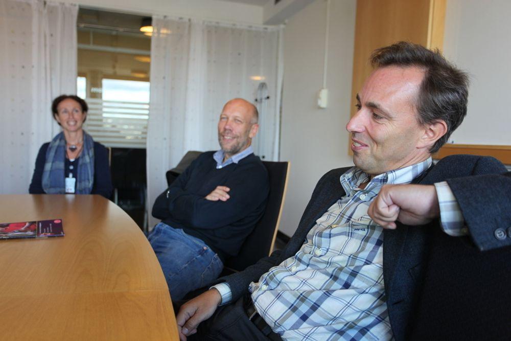 Studiekoordinator Hanne Sølna, CSE-leder Knut Mørken og informatikkprofessor Hans Petter Langtangen har opplevd at CSE-prosjektet har vært motiverende både for studenter og forelesere.