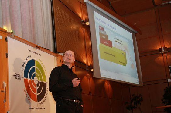 KRAFT: Forsker Thomas Mestl i DNV har sett på potensialet for fornybar energi i verden.