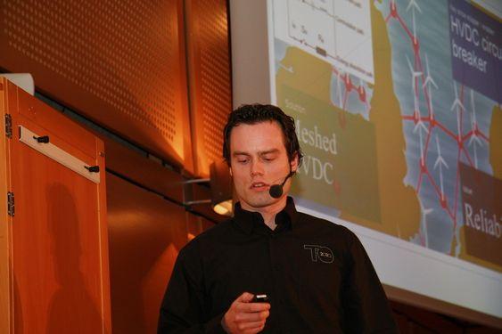 SUPERNETT: Cristoffer Greiner fra DNVs FOU-avdeling påpeker behovet for supernettverk og smarte, fleksible svitsjer.