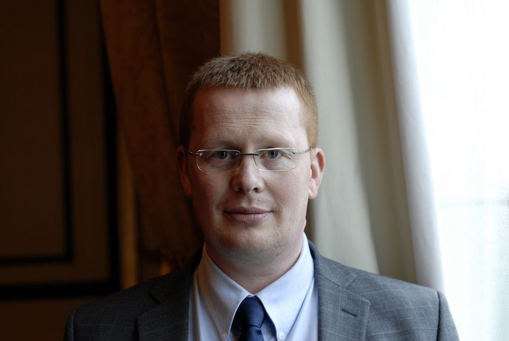 UTSATT: Småkraftforeningas daglige leder Henrik Glette er langt fra sikker på at det norsk-svenske markedet for grønne sertifikater kommer på plass, etter at høringen av sertifikatforskriften utsettes til ¿sensommeren¿.