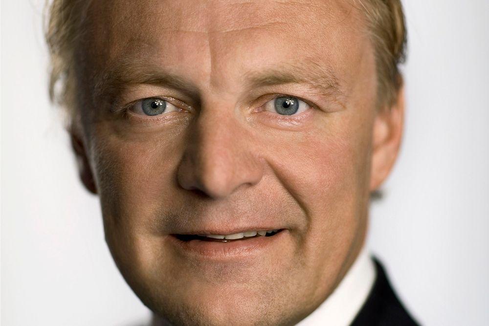 Til tross for nedgang på hardwaresiden er konsernsjef Claus Hougesen i Atea godt fornøyd med andre kvartal.