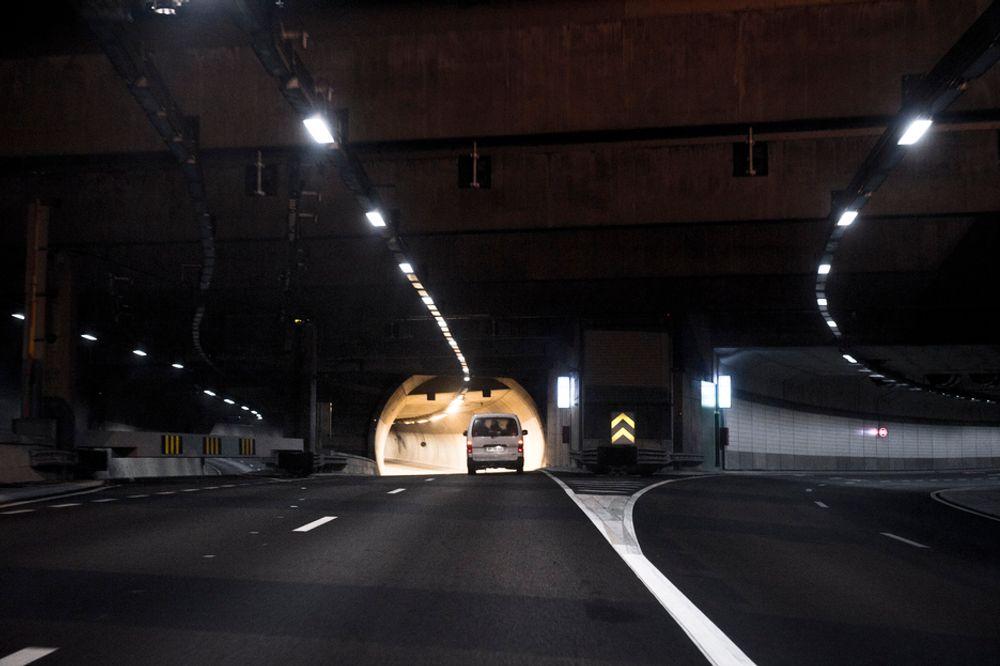 300.000 kubikkmeter masse er flyttet ut av Lørentunnelen. I dag ble det gjennomslag.