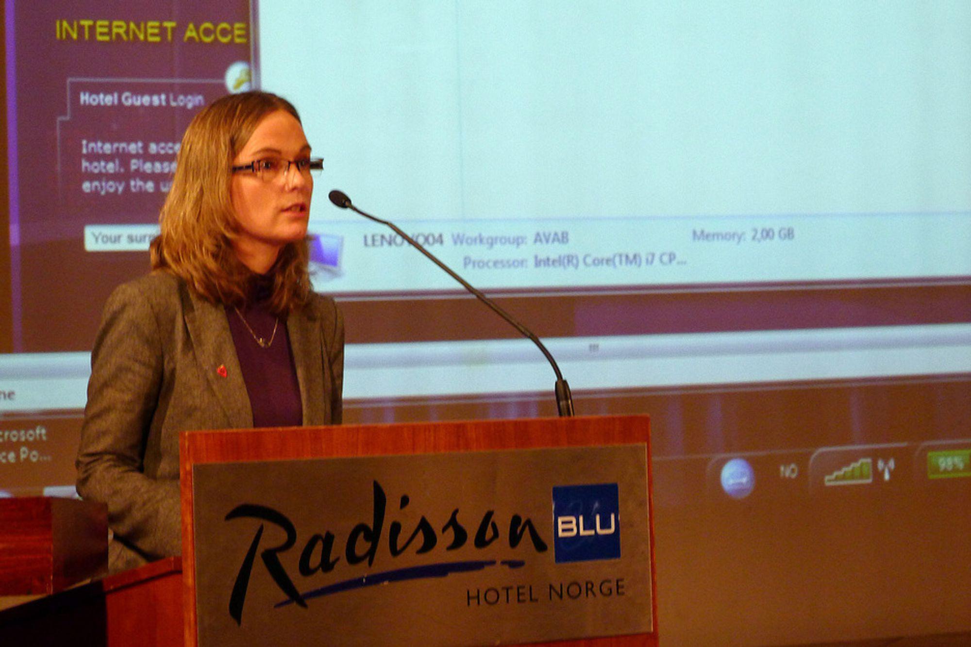 Ordfører i Ulvik, Mona Haugland Hellesnes, mener det ikke er noe annet alternativ enn sjøkabel i Hardanger.