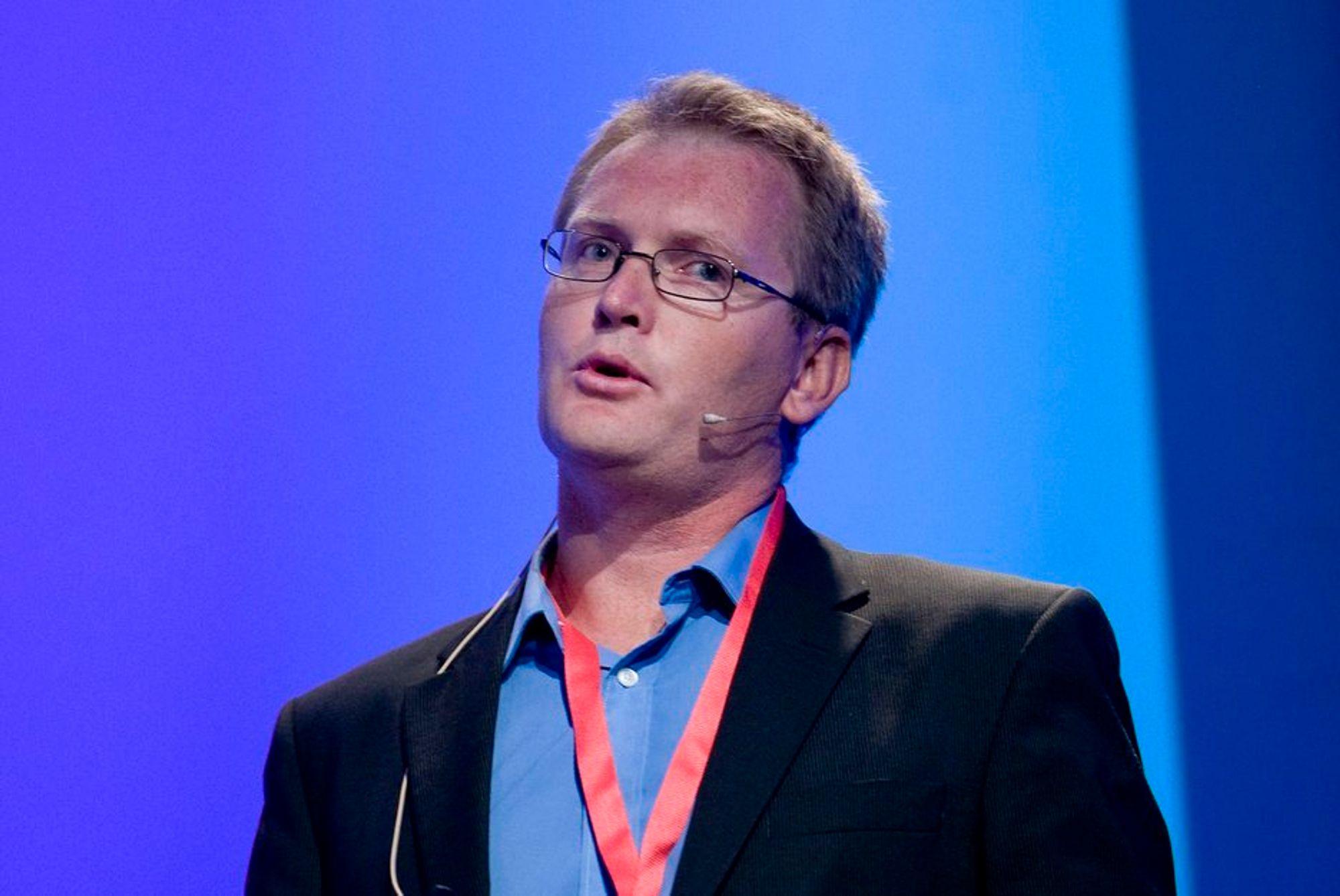 Altibox' administrerende direktør Leif Aarthun Ims mener verken Get eller Telenor kan skryte på seg noe superbredbånd.