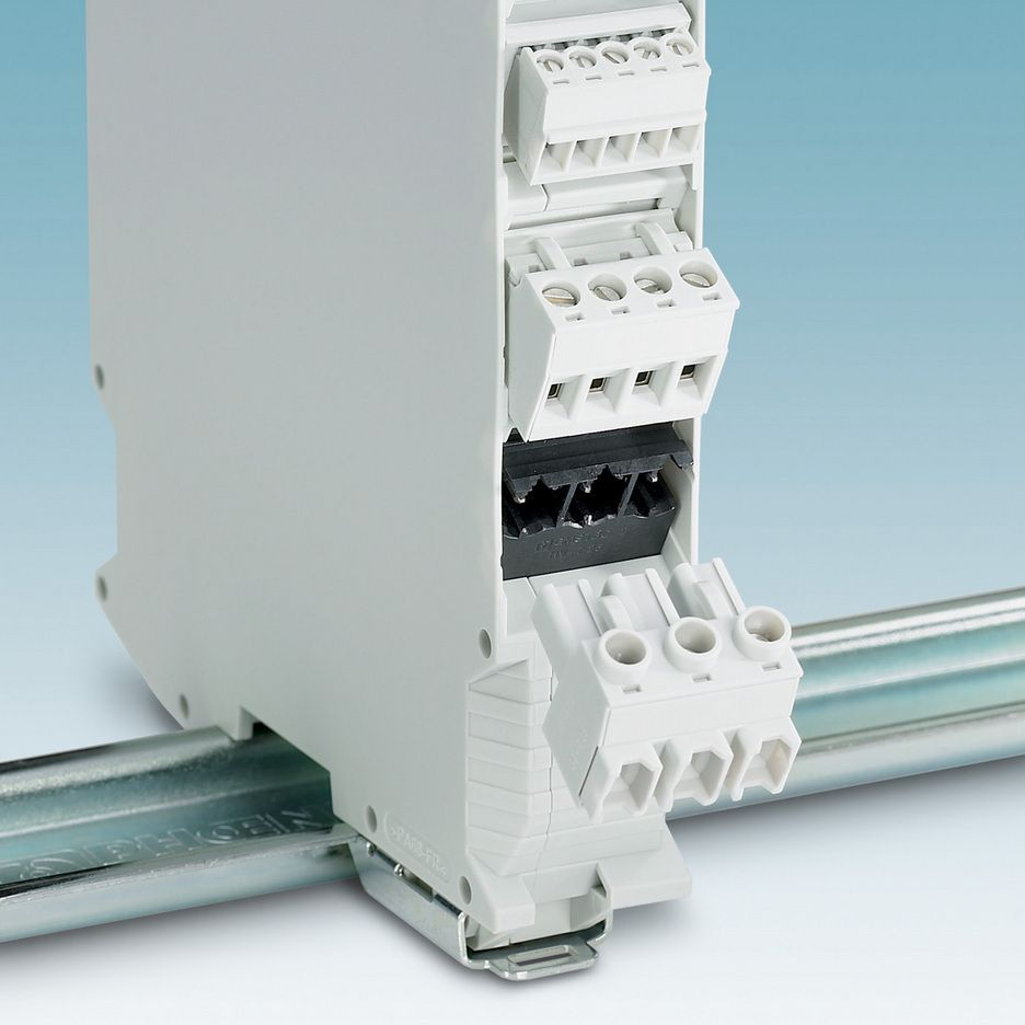 Effektplugg med 600 V UL utstyrsgodkjennelse