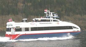 KARBON: Hurtigbåten Trondheimsfjord I og søsterskipet Trondheimsfjord II er bygget ved Brødrene Aa i Hyen i 2008. Båtene går i 32,5 knop og har plass til 130 passasjerer. Fra 2014 kan de erstattes av batteridrevne hurtigbåter.