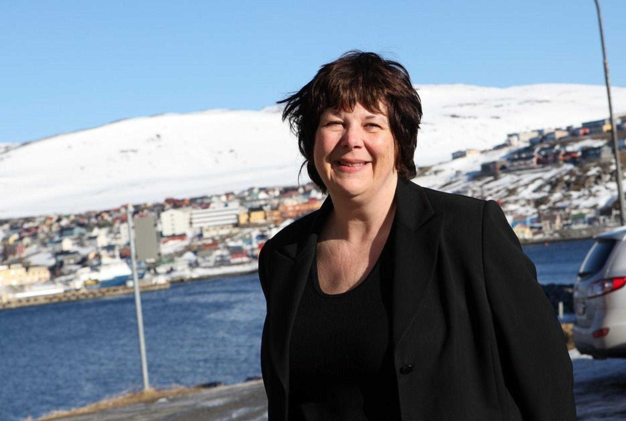 FORNØYD: Oljedirektør Bente Nyland smilte fra øre til øre hver gang Avaldsnes-funnet ble nevnt under presentasjonen av Oljedirektoratets ressursrapport i dag. (arkivfoto)