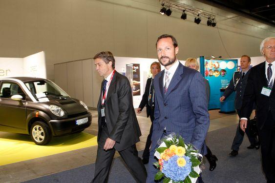 Lillestrøm 20100928. Kronprins Haakon ved  åpningen av the North European Renewable Energy Convention i Lillestrøm (Norges Varemesse) tirsdag Foto: Berit Roald / Scanpix