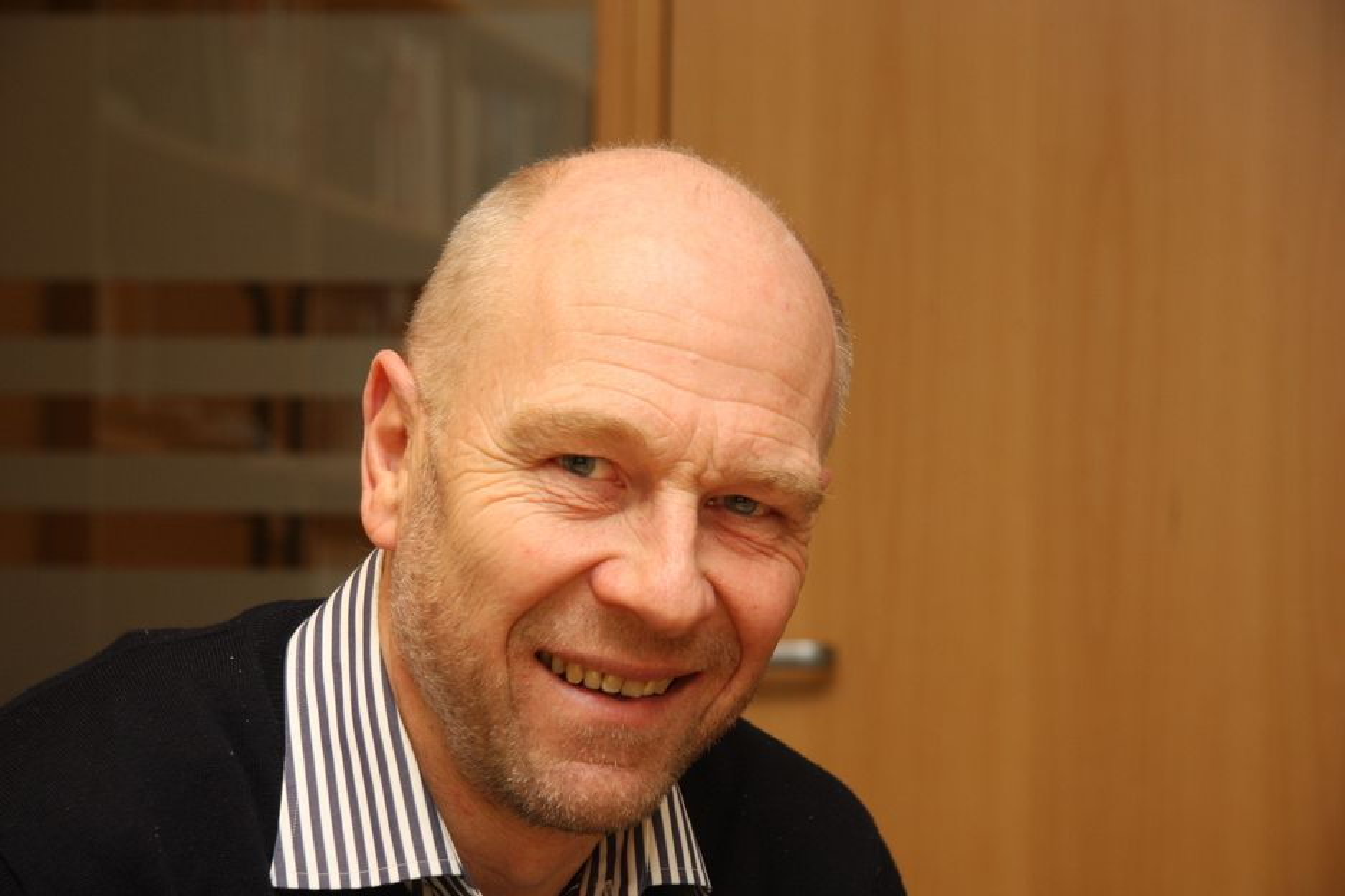 FORNØYD: Egil Skavang, administrerende direktør i Arkitektbedriftenen kan ønske Narud Stokke Wiig velkommen som medlem.