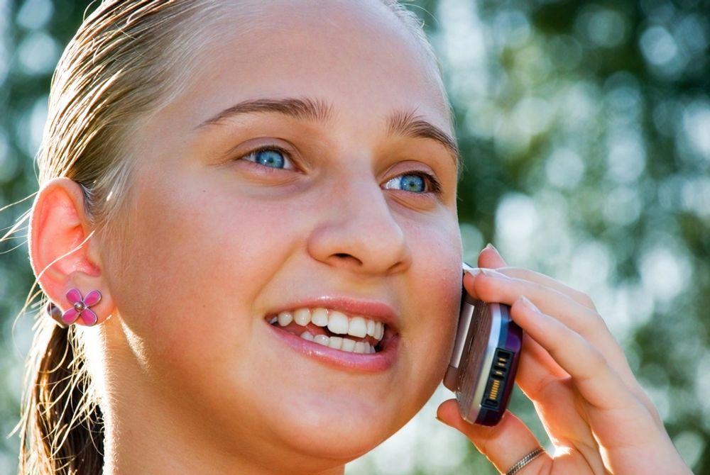 NEI, NEI, NEI: Tenåringer bør ikke ringe med mobilen, mener indiske forskere.