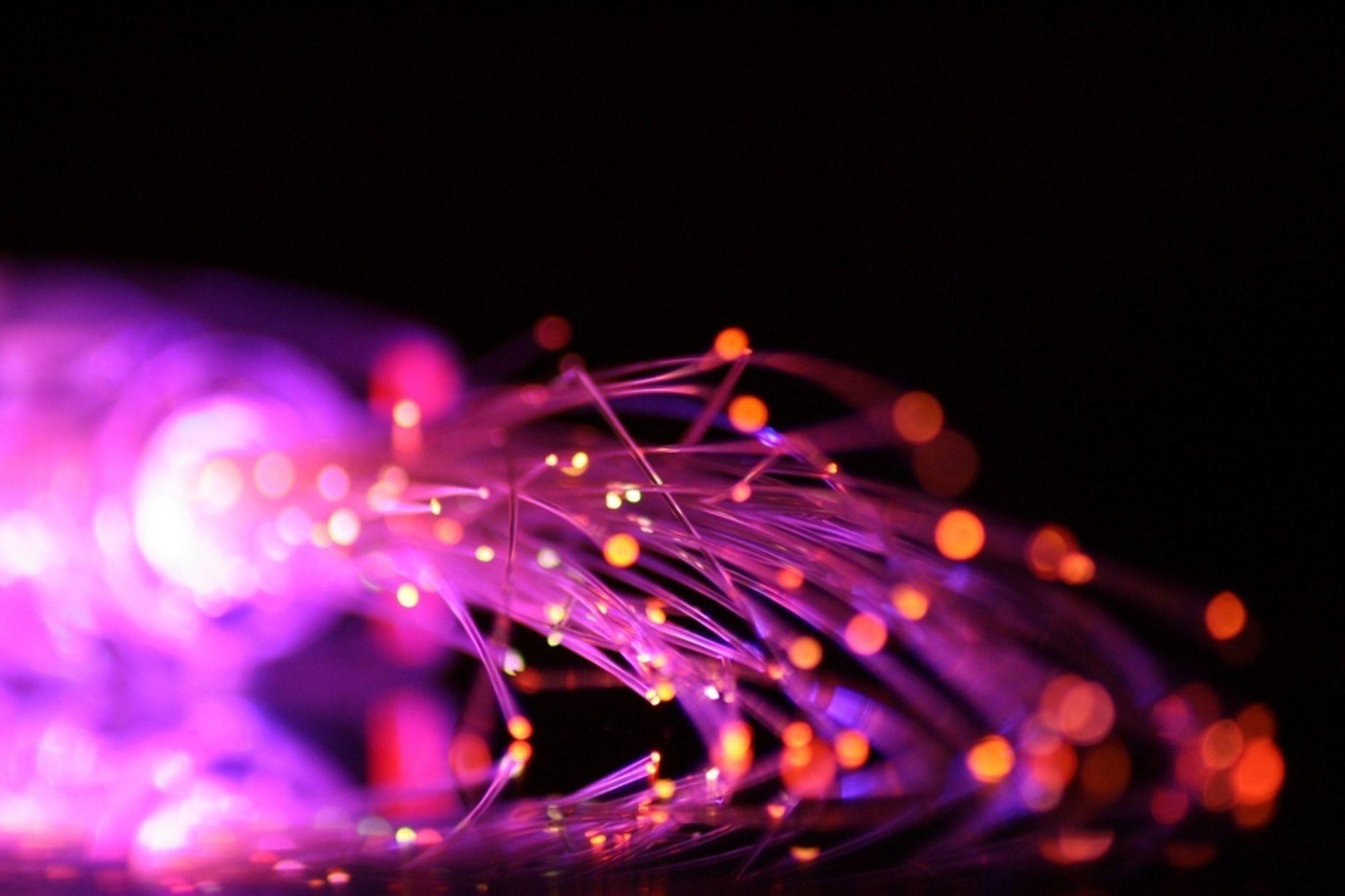 LENGER: Alcatel-Lucent har klart å sende ip-signaler på fiber og lengre avstand enn før uten behov for å forsterke signalene.