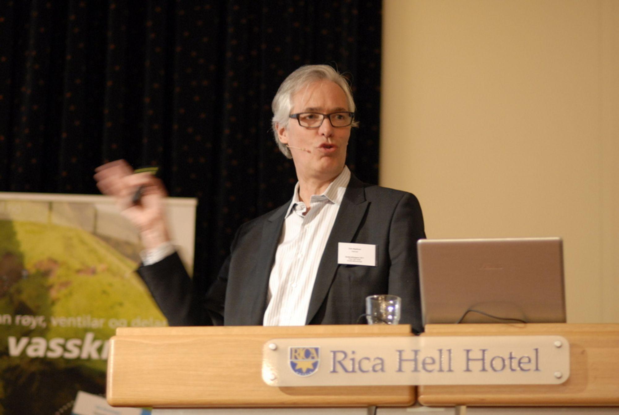 SAVNER TRYGGHET: Energibransjens rammebetingelser er for ustabile, mener Statnetts direktør for energi og nettstrategi, Erik Skjelbred.