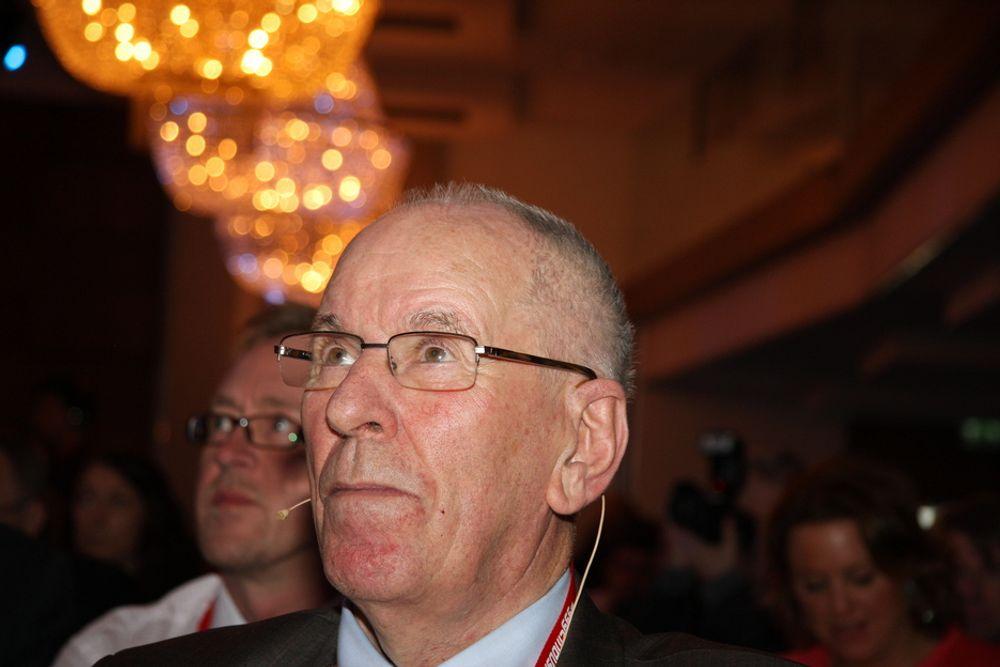 IRRITERT: Vel ute av politikken tar tidligere samferdselsminister Kjell Opseth bladet fra munnen og sier han er mektig irritert over hvor lange planprosessene er.