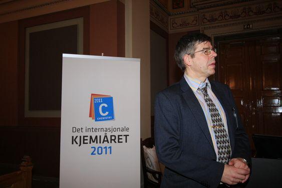ENDELIG: Professor Einar Uggerud fra Universitet i Oslo har jobbet medå forberede Kjemiåret 2011 i over ett og et halvt år.