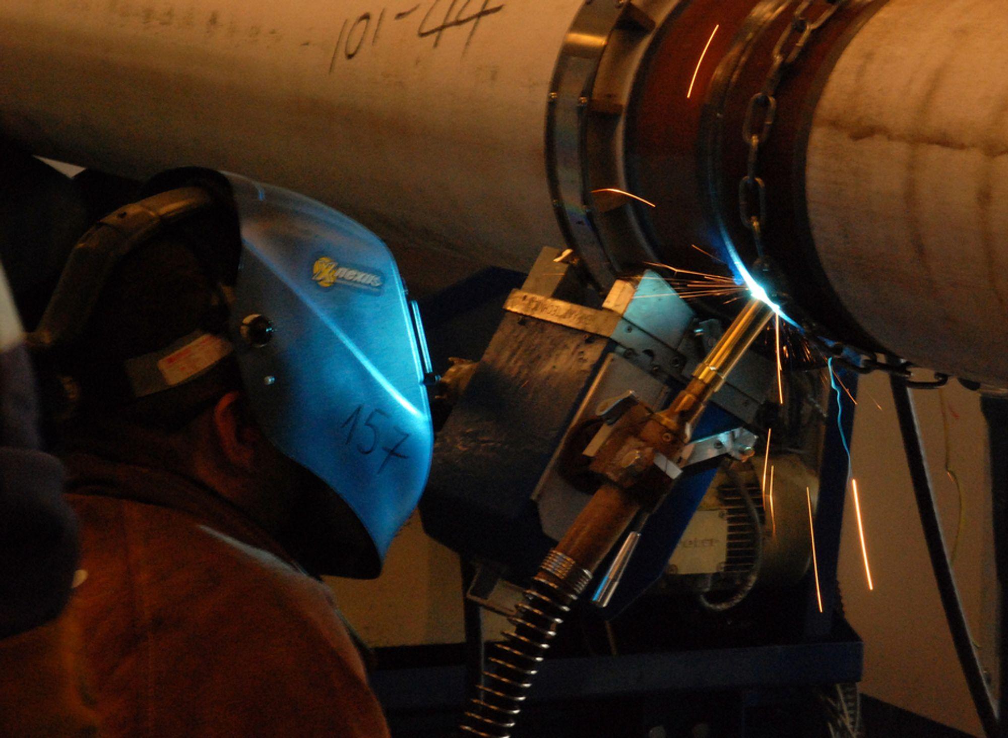 STORKONTRAKT: Subsea 7 skal ta seg av inspeksjon, vedlikehold og reparasjoner av undervannsinstallasjoner og rørledninger for Statoil de neste fem årene. Bildet er fra Subsea 7s spolebase på Vigra.