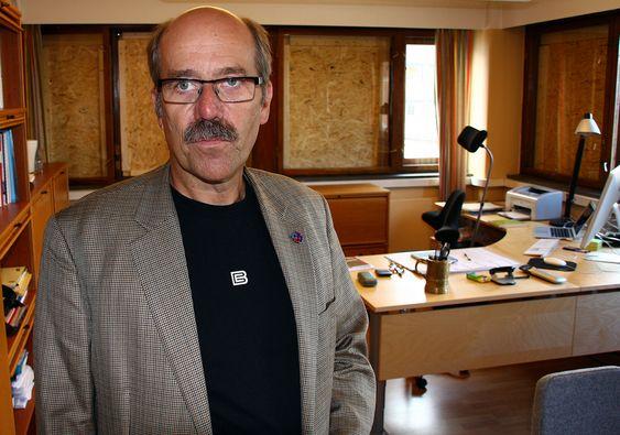 Morten Lie, administrerende direktør i Statens bygningstekniske etat (BE). BEs lokaler - inkludert Lies kontor - ble også skadet av bomben som eksploderte i regjeringskvartalet 22.07.11. BE holder til på Youngstorget, med utsikt rett mot R4 og Høyblokka.