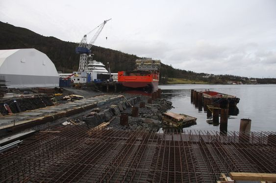 FRAMTIDSTRO: Kleven Maritime har investert flere millioner kroner i utvidet kai for å kunne utruste flere skip samtidig.