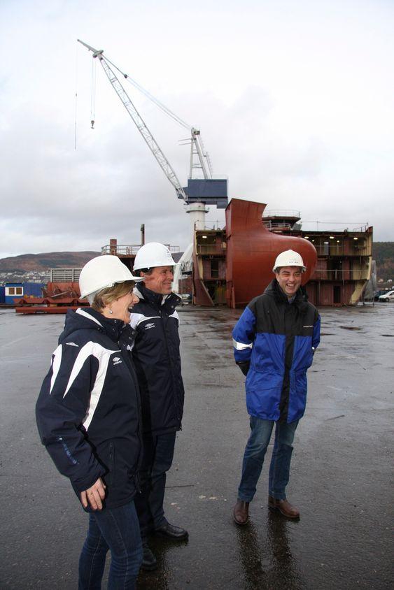 HJEM: Kleven Maritime vil gjøre mest mulig på skipene i Norge. Fra venstre: Styreleder Kjersti Kleven, adm. dir. Ståle Rasmussen og produksjons- og innkjøpsdirektør Tore Roppen.