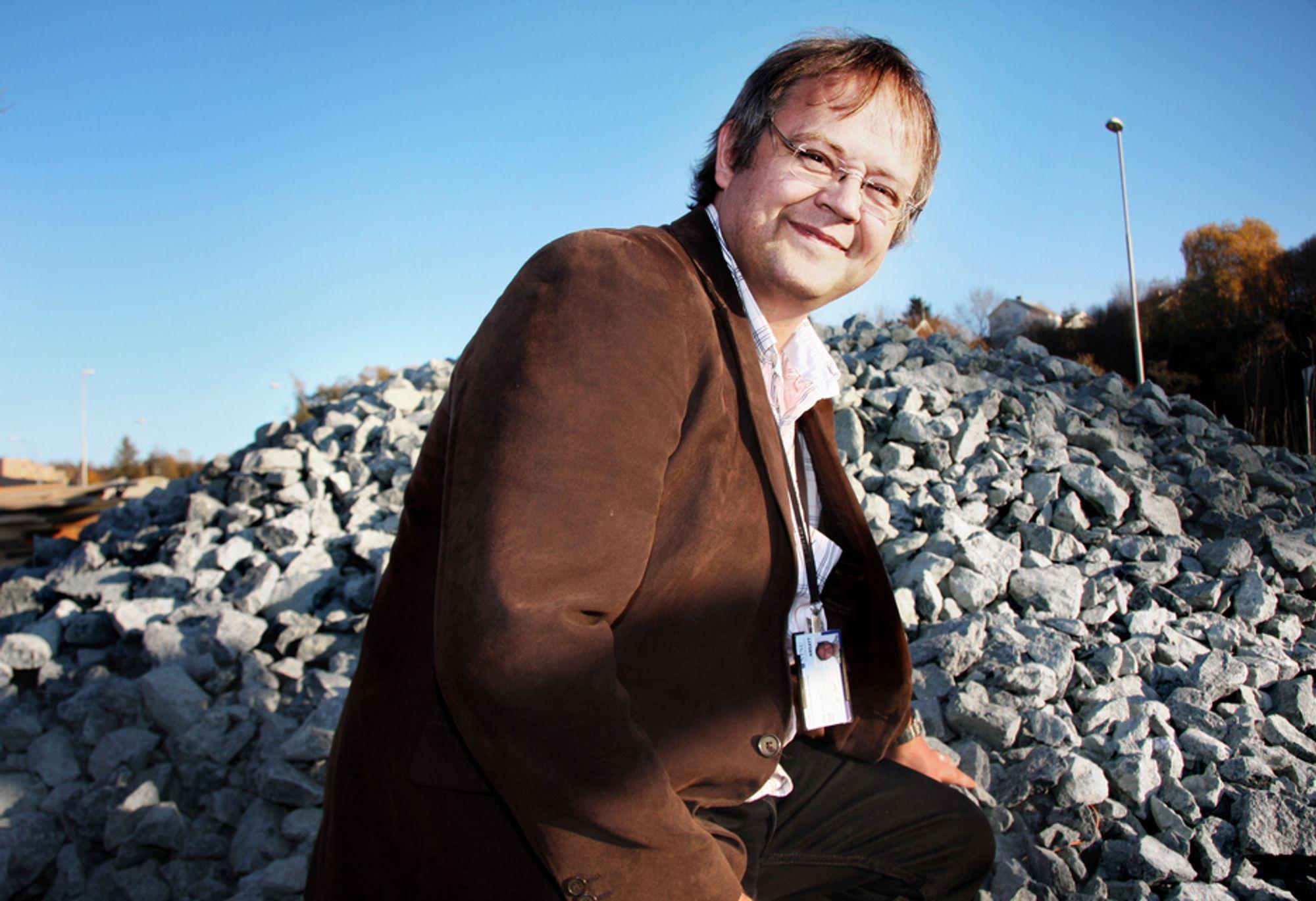 Inge Hoff er professor i veibygging. Interessen oppsto allerede som 16-åring.