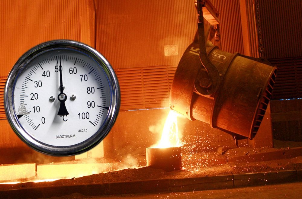 GODT OG VARMT: Vannet som resirkuleres fra nedkjølingen av slagget etter silkomanganproduksjonen skal aller helst holde rundt 50 grader. Det er høyt nok til at temperaturen opprettholdes når den distribueres rundt til de fem nærliggende bedriftene. (Montasje)