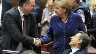 Eurolederne dro i land bankavtale på overtid
