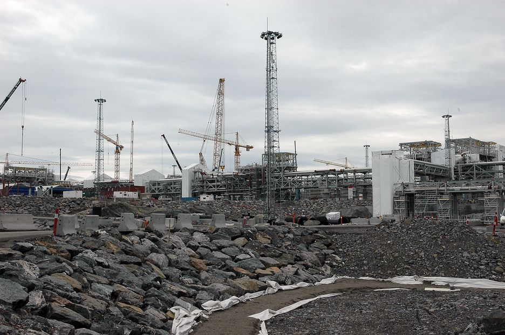 UTE: Mandag denne uka eksploderte et turbinrom ved Statnetts reservekraftverk på Nyhamna i Møre og Romsdal.