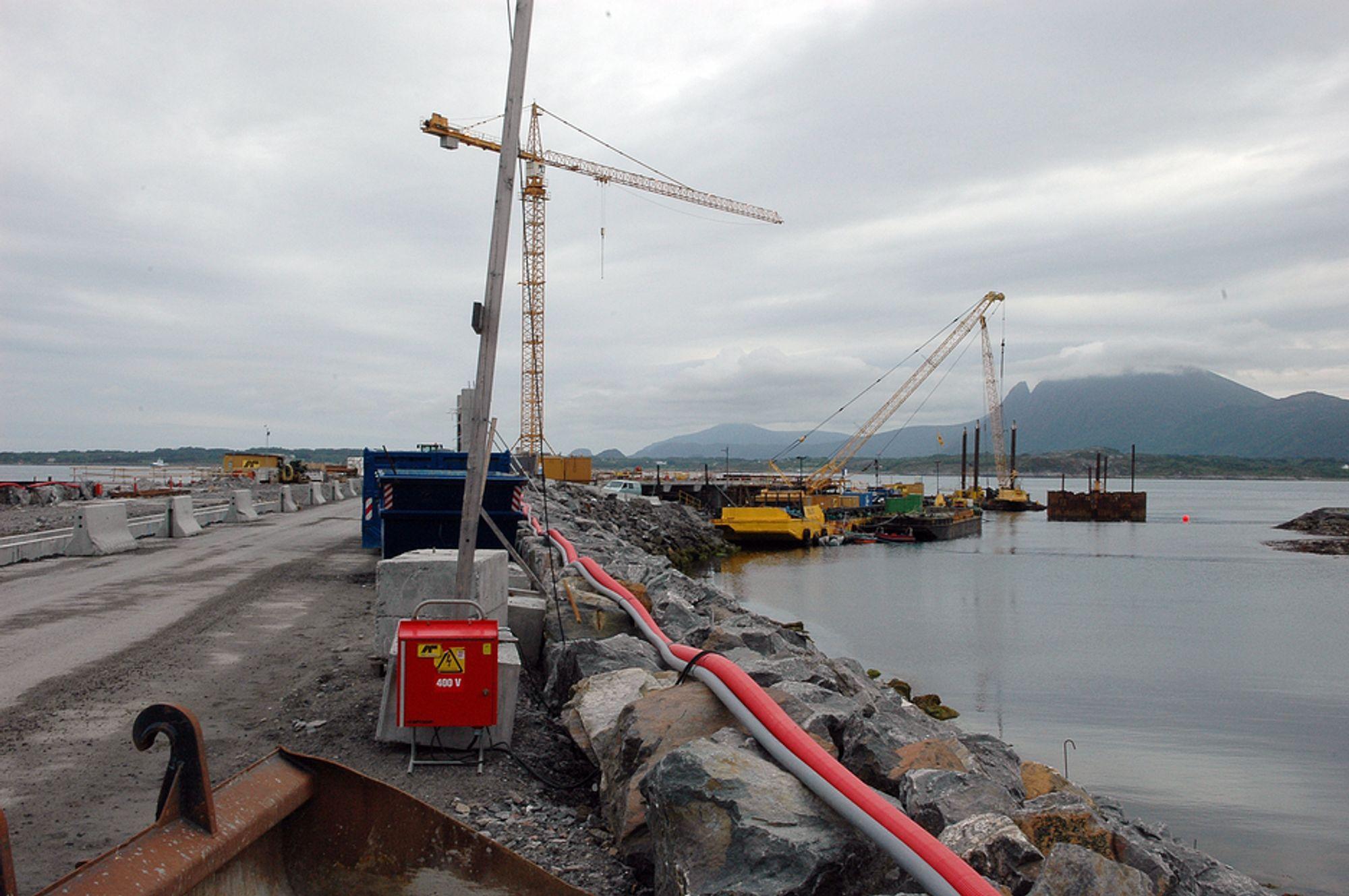 UKLART: Det er fortstt uklarheter omkring betongkvaliteten på Nyhamna. Det er ikke funnet betong uten silika, men påstander om juks foreligger.