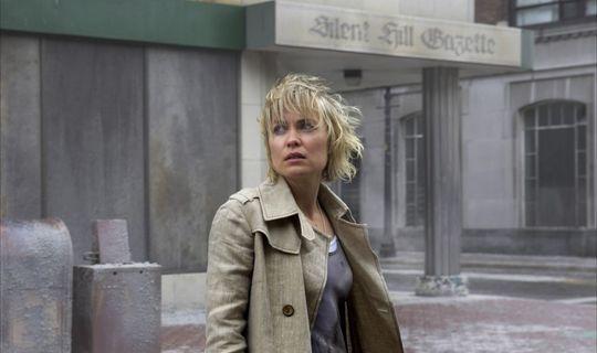 Radha Mitchell finner ikke sin datter i Silent Hill.