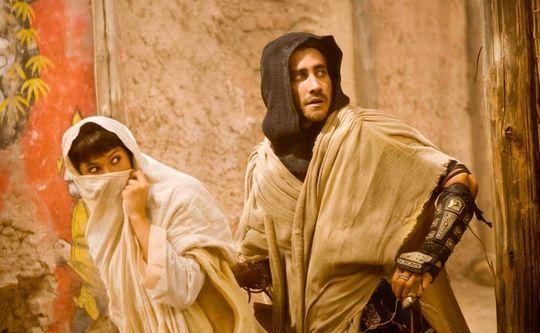 Hverken Gyllenhaal eller Arterton ser veldig persiske ut i Prince of Persia.