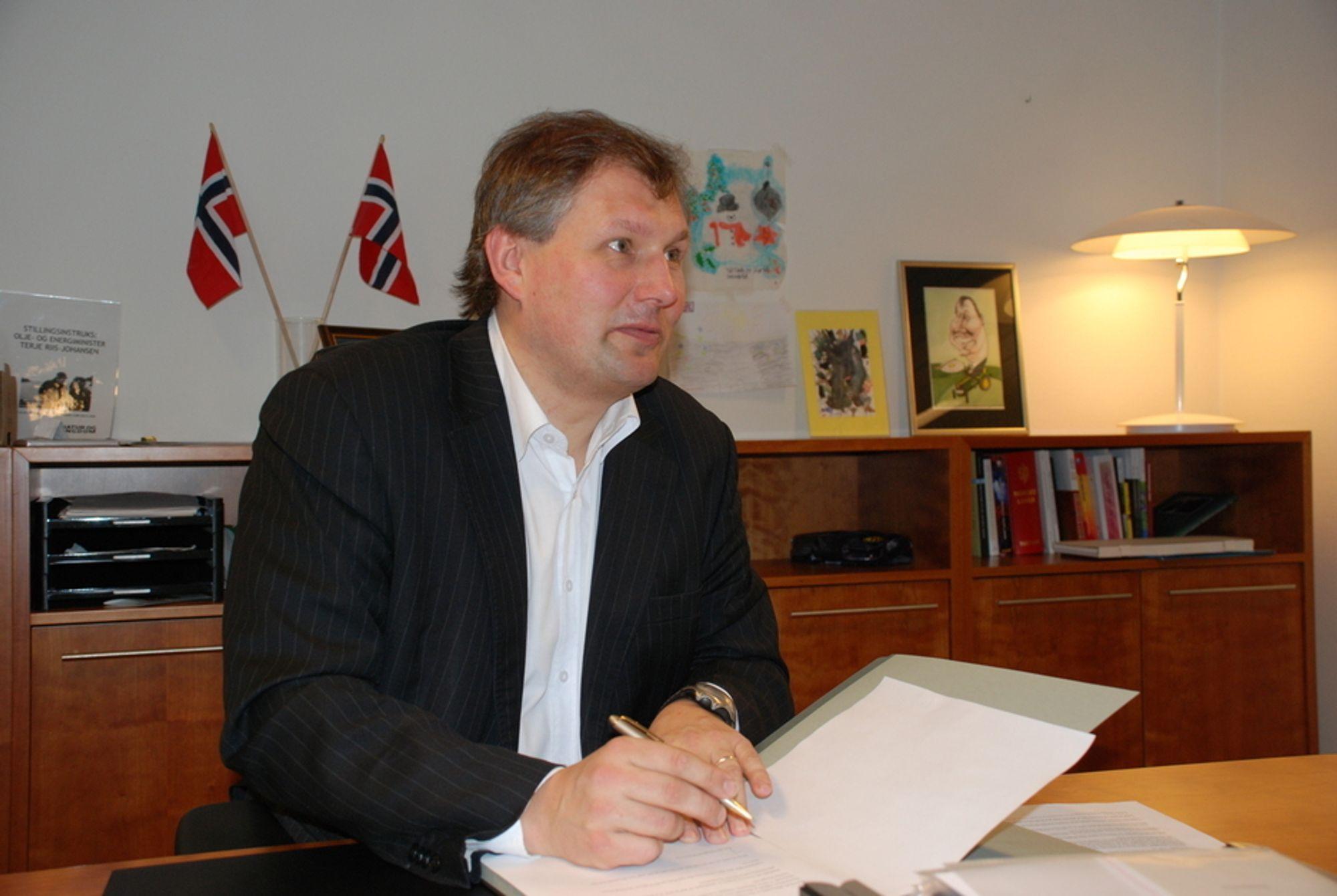 HAR FÅTT BREV: LO, NHO, Skognæringen og Bondelaget i Midt-Norge krever at Riis-Johansen og resten av regjeringen gjør noe med kraftsituasjonen nå.