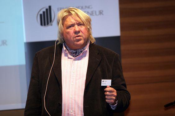 Ernst & Young Entrepreneur Of The Year 2005: Grenlands-gründeren Hallgeir Skogen vant prestisjetung næringslivspris.