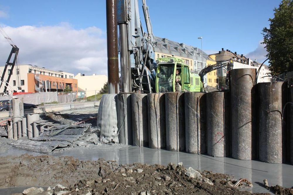 UTFORDRENDE: Kvikkleire gjør det vanskelig å bygge tunnel i Trondheim. Derfor er det en helt ny spuntemetode som er tatt i bruk for å sikre Møllenbergtunnelen.