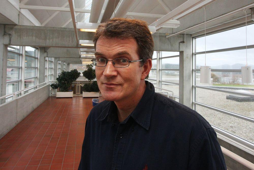 OLJE FRAMFOR GASS: Professor i petroleumsøkonomi ved Universitetet i Stavanger, Petter Osmundsen, frykter oljeselskapene tenker kortsiktig.